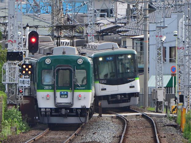 2021_0829_072536_K0600Z 行き交う準急電車