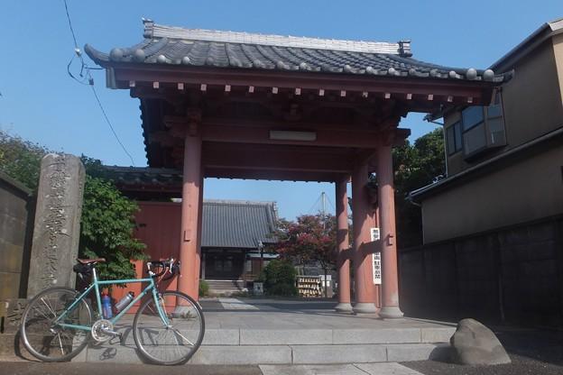 本興寺山門