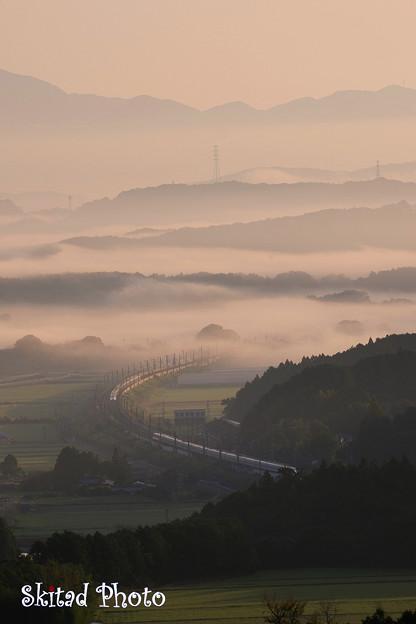 雲間の新幹線
