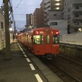 Photos: 大手町駅 列車を見送る