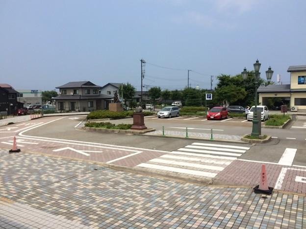 Photos: 泊駅14   ~駅前1~