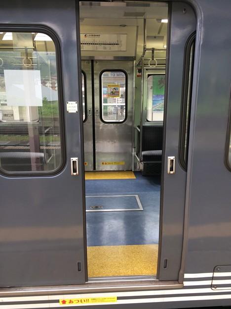 北しなの線 電車ドア 手動開閉1