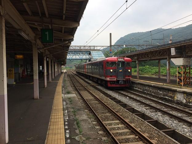 Photos: 妙高高原駅11 ~まもなく発車~