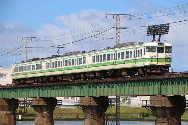 越後線115系1000番台 N35編成(新潟色)