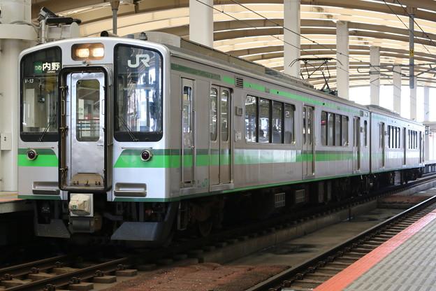Photos: 越後線E127系0番台 V13編成