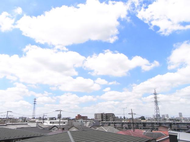 真夏の街の雲15分後