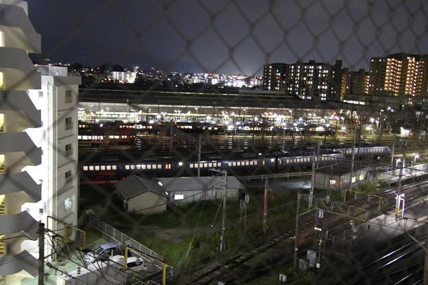 Photos: 夜の電車庫
