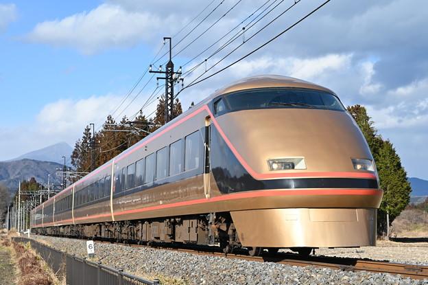 東武鉄道100系スペーシア 「日光詣」編成 (特急スペーシアきぬがわ6号)