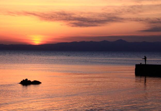 釣り人のいる夕景色