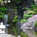 棟方志功記念館庭園の滝