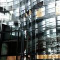 複雑な反射ガラス(国立新美術館)