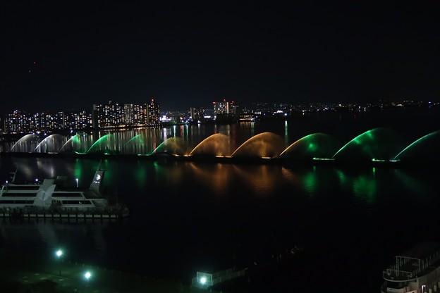 琵琶湖噴水ライトアップ