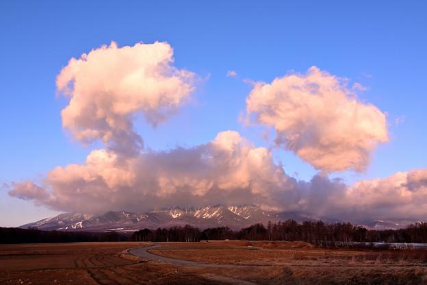 八ヶ岳を覆うカニさん雲