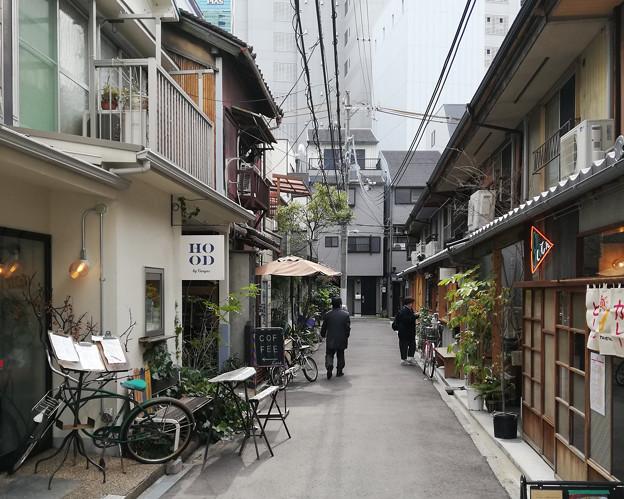 大阪の中津の裏通り