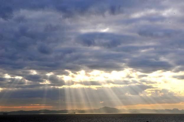 38 雲から光り輝