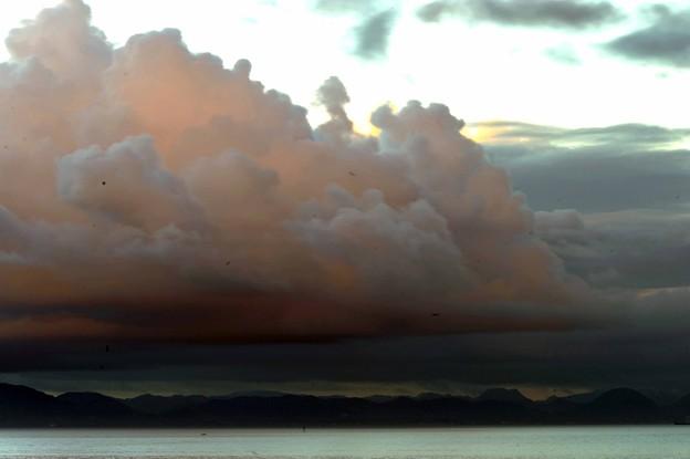 45 肌色雲