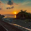 Photos: 河口の夕陽