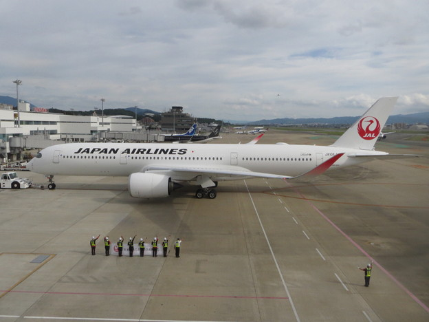 JAL  A350の出発 1