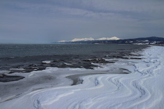 Photos: 流氷がもたらす波紋