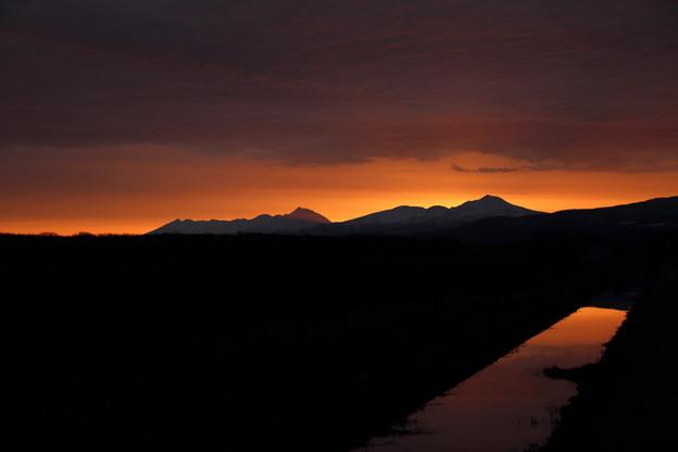 Photos: 夜明けまえの一瞬