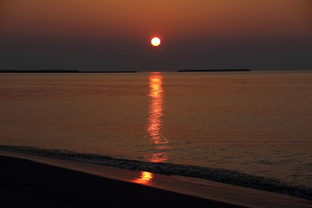 斜里港に沈む夕日