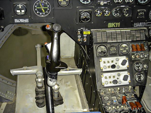 川崎 BK117 ヘリコプター コックピット DSC00204-3
