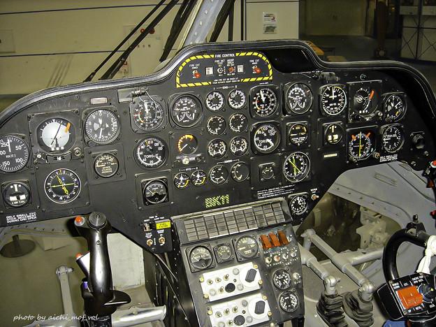 川崎 BK117 ヘリコプター コックピット DSC00202-3