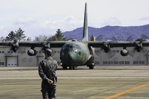 航空自衛隊第1輸送航空隊第401飛行隊 C-130H輸送機 75-1076 IMG_3614-3