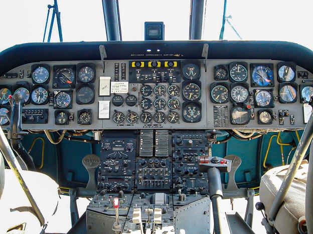 陸上自衛隊 V-107A 51804 コックピット DSC00017-2