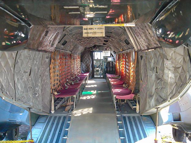 陸上自衛隊 V-107A 51804 機内 DSC00013-2