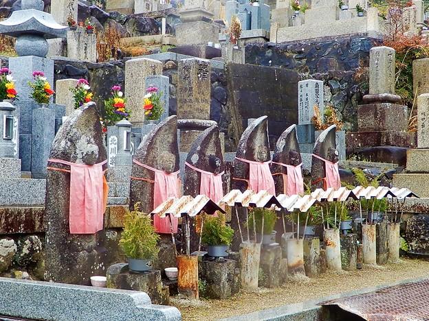 墓地の六地蔵