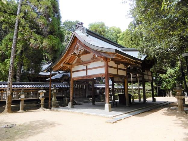 美具久留御魂神社・本殿と上拝殿(南側から)