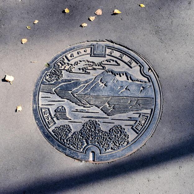 弟子屈町のマンホール(摩周湖の図柄)