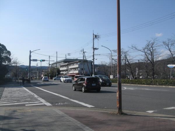 国際会館駅前