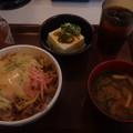 Photos: チーズ豚丼+冷奴セット(すき家)