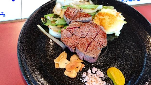鉄板焼きステーキ(1)