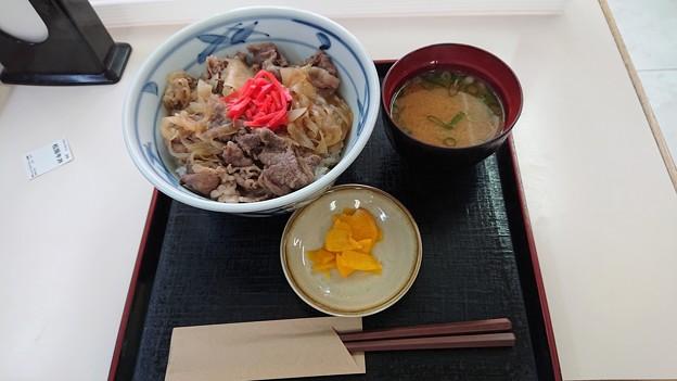 Photos: 赤字覚悟の松阪牛丼