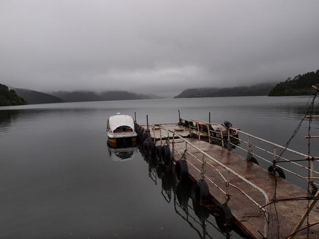 Photos: 嵐の後の湖畔 Type-A