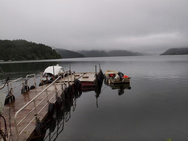 Photos: 嵐の後の湖畔 Type-B
