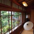 Photos: 和傘のある空間