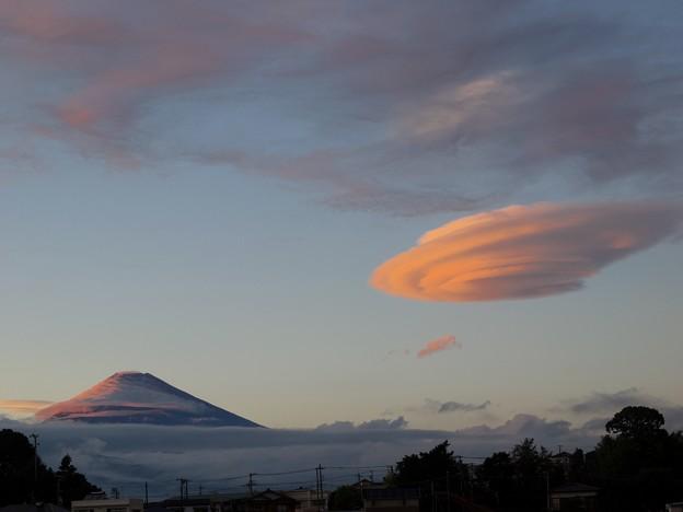 富士のお山とUFO?