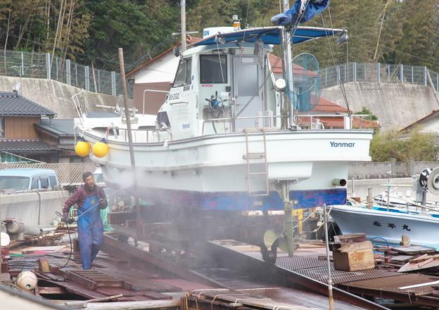 西郷港の朝(34)船底船底洗掃