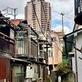 Photos: 麻布に残る昭和な街並み