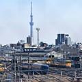 尾久車両センターと東京スカイツリー