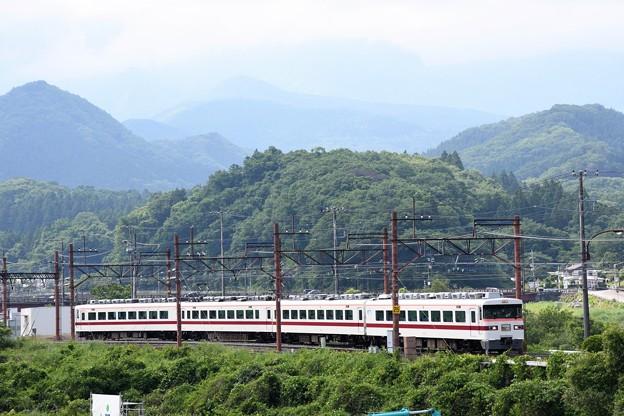 東武日光を発つ350型臨時特急きりふり284号