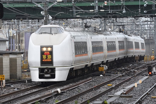 Photos: 651系特急草津2号大宮入線