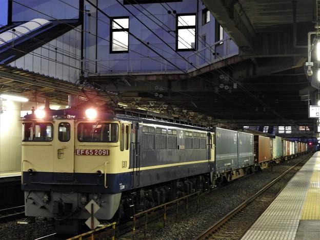 EF65 2091牽引4073レ小山11番待避中