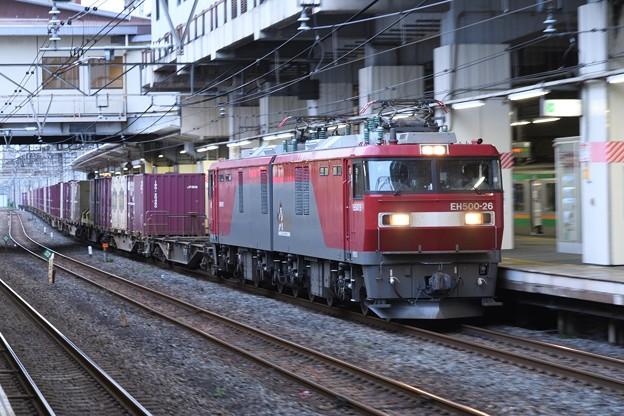 EH500-26牽引3057レ小山10番通過