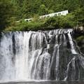 Photos: 滝の上を行く烏山線ACCUM