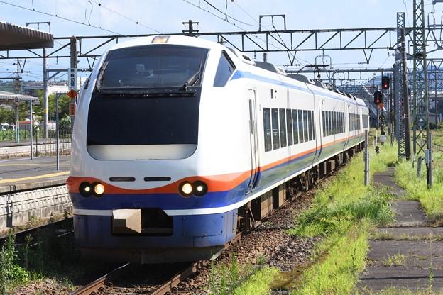 E653系特急しらゆき5号新津4番入線